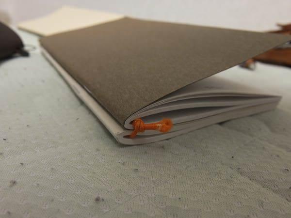 トラベラーズノート 4冊挟む方法 5