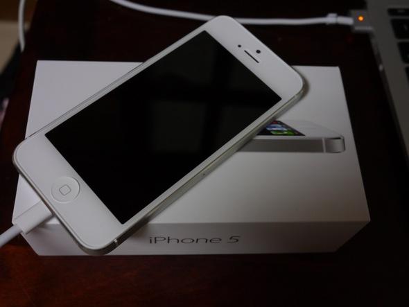 iPhone5のファーストインプレッションレポート。個人的には総じて気に入っています。