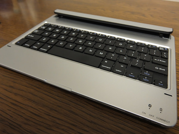 IPad Airで使えるコスパ最強のキーボード付きケースが超オススメ 1