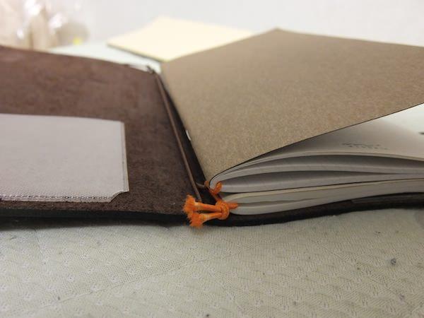 トラベラーズノート 4冊挟む方法 6