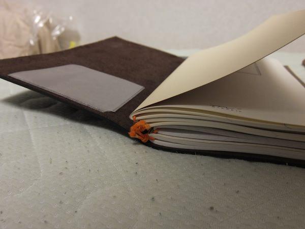 トラベラーズノート 4冊挟む方法 7