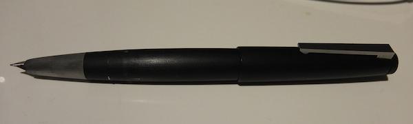 男らしさ漂うマットなブラックが格好いい Lamy2000の万年筆 6