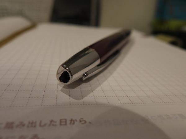 キャップレス 万年筆はノック式になるだけで最高に手軽で使いやすい 1